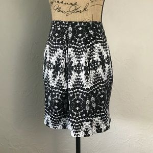{ H&M } Patterned Pencil Skirt